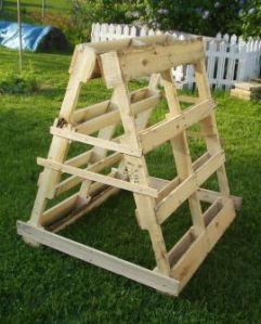 wooden pallet trellis for squash