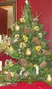 Christmas tree with dried flowers